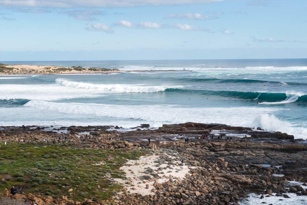 Cowaramup Bay in Gracetown surfing