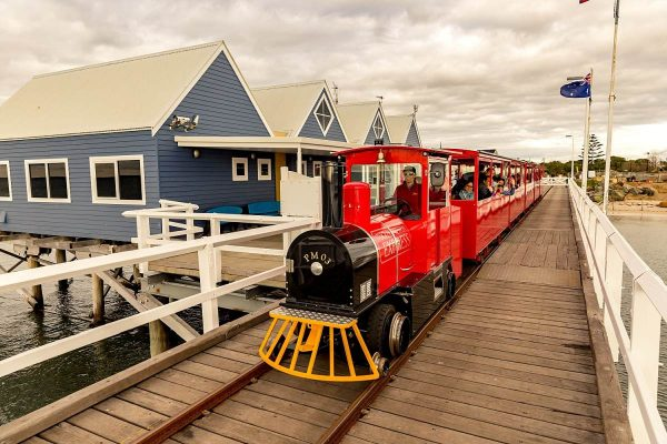 Busselton-Jetty_train